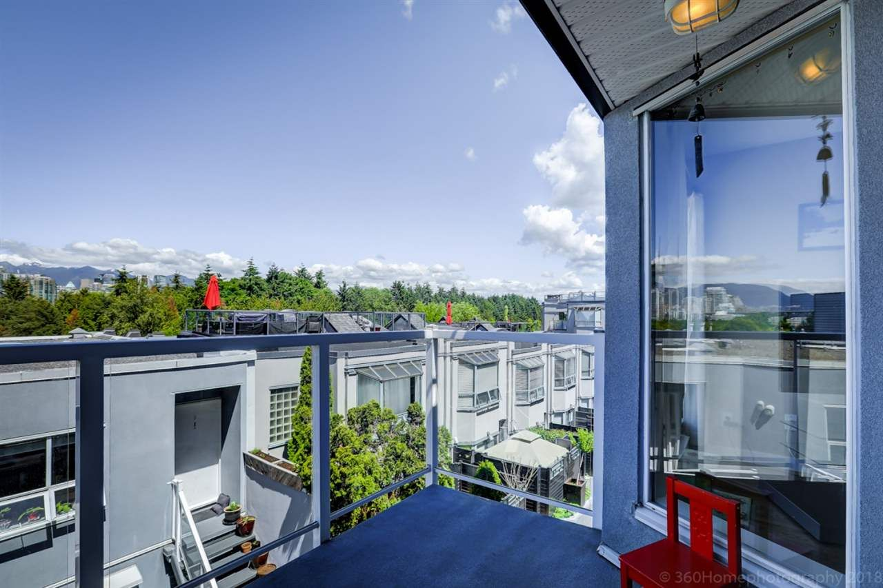 """Photo 11: Photos: 4 973 W 7TH Avenue in Vancouver: Fairview VW Condo for sale in """"SEAWINDS"""" (Vancouver West)  : MLS®# R2273280"""