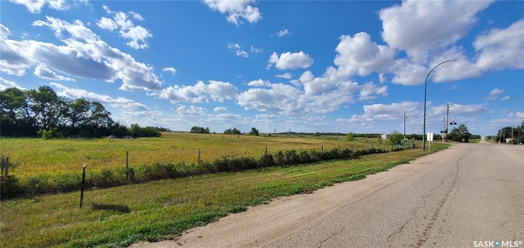Main Photo: 101 Entrance Road West in Unity: Lot/Land for sale : MLS®# SK868054