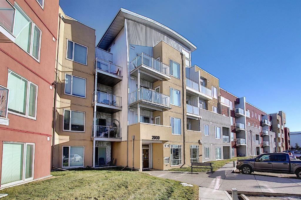 Main Photo: 2420 604 East Lake Boulevard NE: Airdrie Apartment for sale : MLS®# A1052562