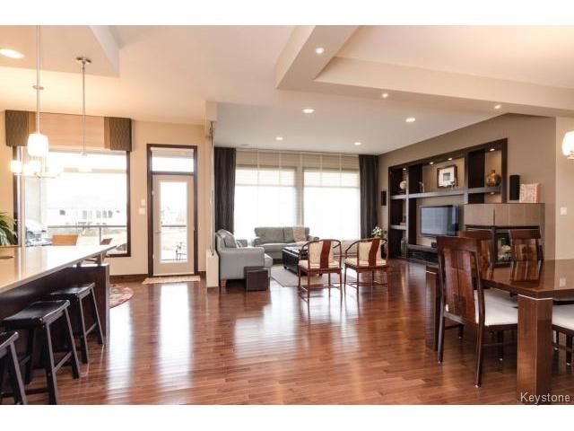 Photo 8: Photos:  in ESTPAUL: Birdshill Area Residential for sale (North East Winnipeg)  : MLS®# 1409442