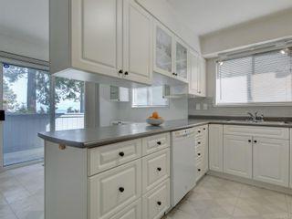 Photo 12: 2058 Saltair Pl in : SE Gordon Head House for sale (Saanich East)  : MLS®# 867531
