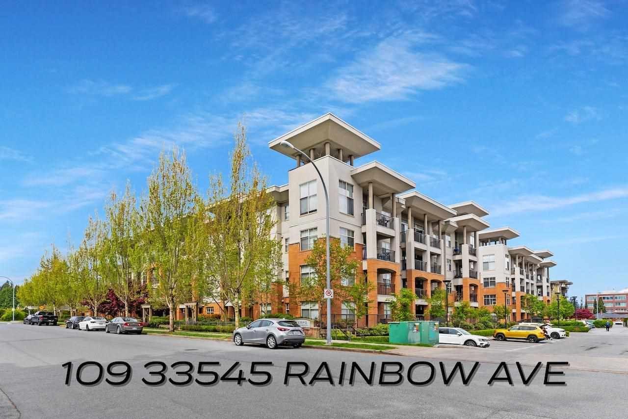 Main Photo: 109 33545 RAINBOW Avenue in Abbotsford: Central Abbotsford Condo for sale : MLS®# R2575018