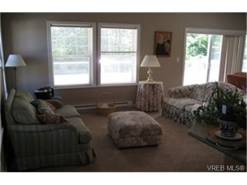 Photo 8: Photos:  in VICTORIA: VR Six Mile Row/Townhouse for sale (View Royal)  : MLS®# 433344