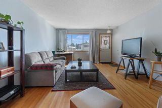 Photo 5: 39 Glacier Drive SW in Calgary: Glamorgan Detached for sale : MLS®# A1123813