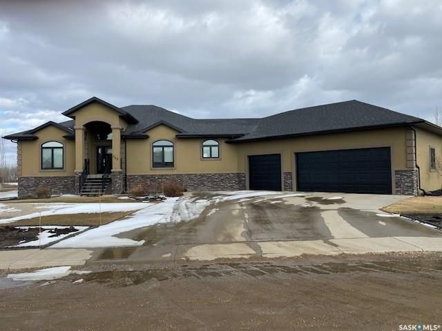 Main Photo: 560 Park Street in Cut Knife: Residential for sale : MLS®# SK847224