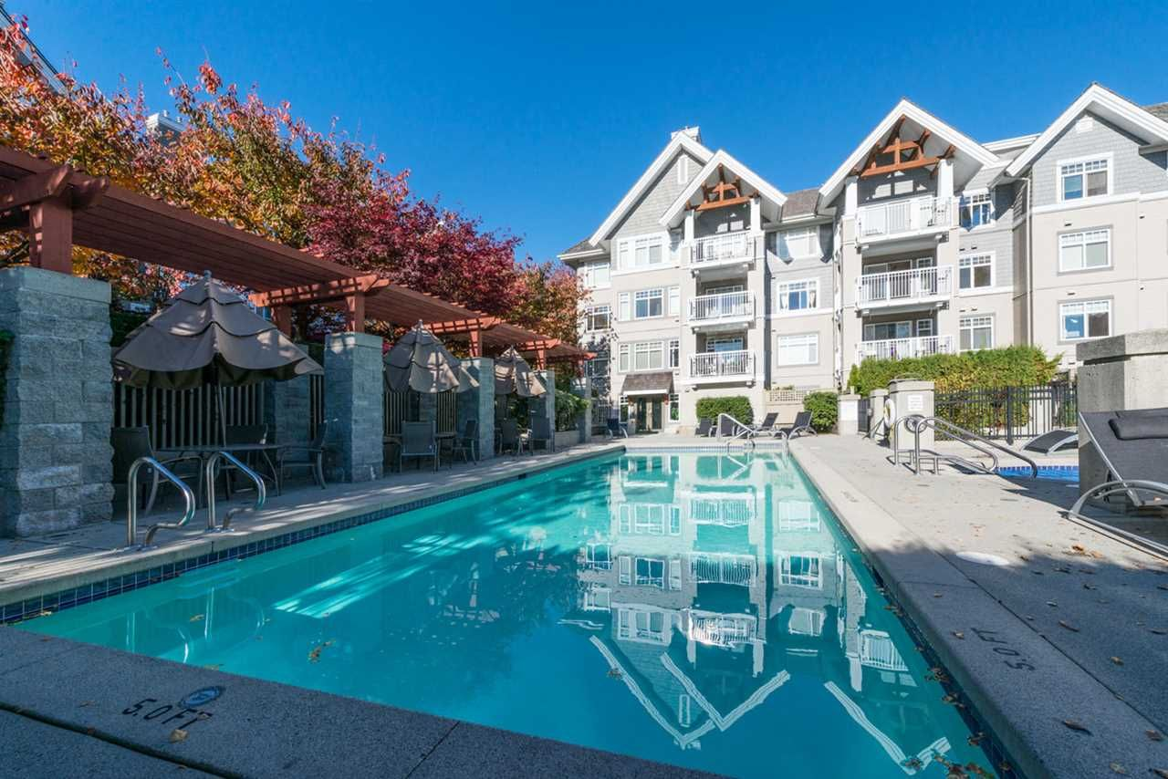 """Photo 18: Photos: 404 1438 PARKWAY Boulevard in Coquitlam: Westwood Plateau Condo for sale in """"MONTREUX"""" : MLS®# R2161413"""