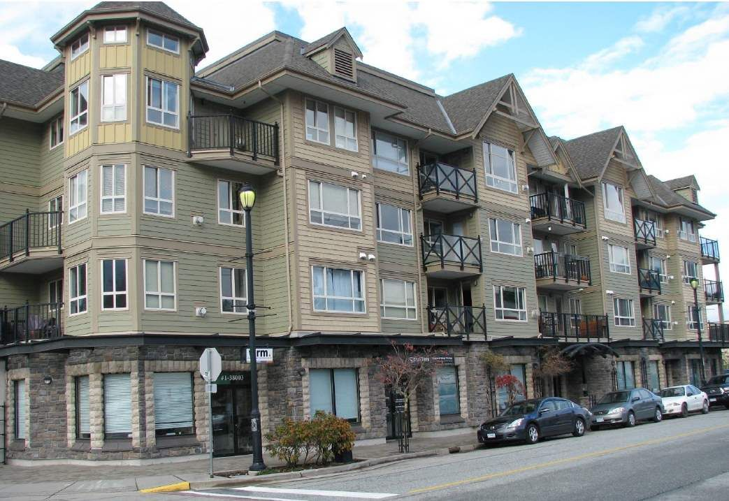 """Main Photo: 103 38003 SECOND Avenue in Squamish: Downtown SQ Condo for sale in """"Squamish Pointe"""" : MLS®# R2520650"""