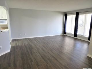 Photo 4: 111 312 108th Street in Saskatoon: Sutherland Residential for sale : MLS®# SK852333