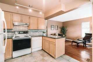 """Photo 8: 9271 GOLDHURST Terrace in Burnaby: Forest Hills BN Townhouse for sale in """"Copper Hill"""" (Burnaby North)  : MLS®# R2551722"""
