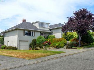 Photo 1: 3034 Larkdowne Rd in VICTORIA: OB Henderson House for sale (Oak Bay)  : MLS®# 817354