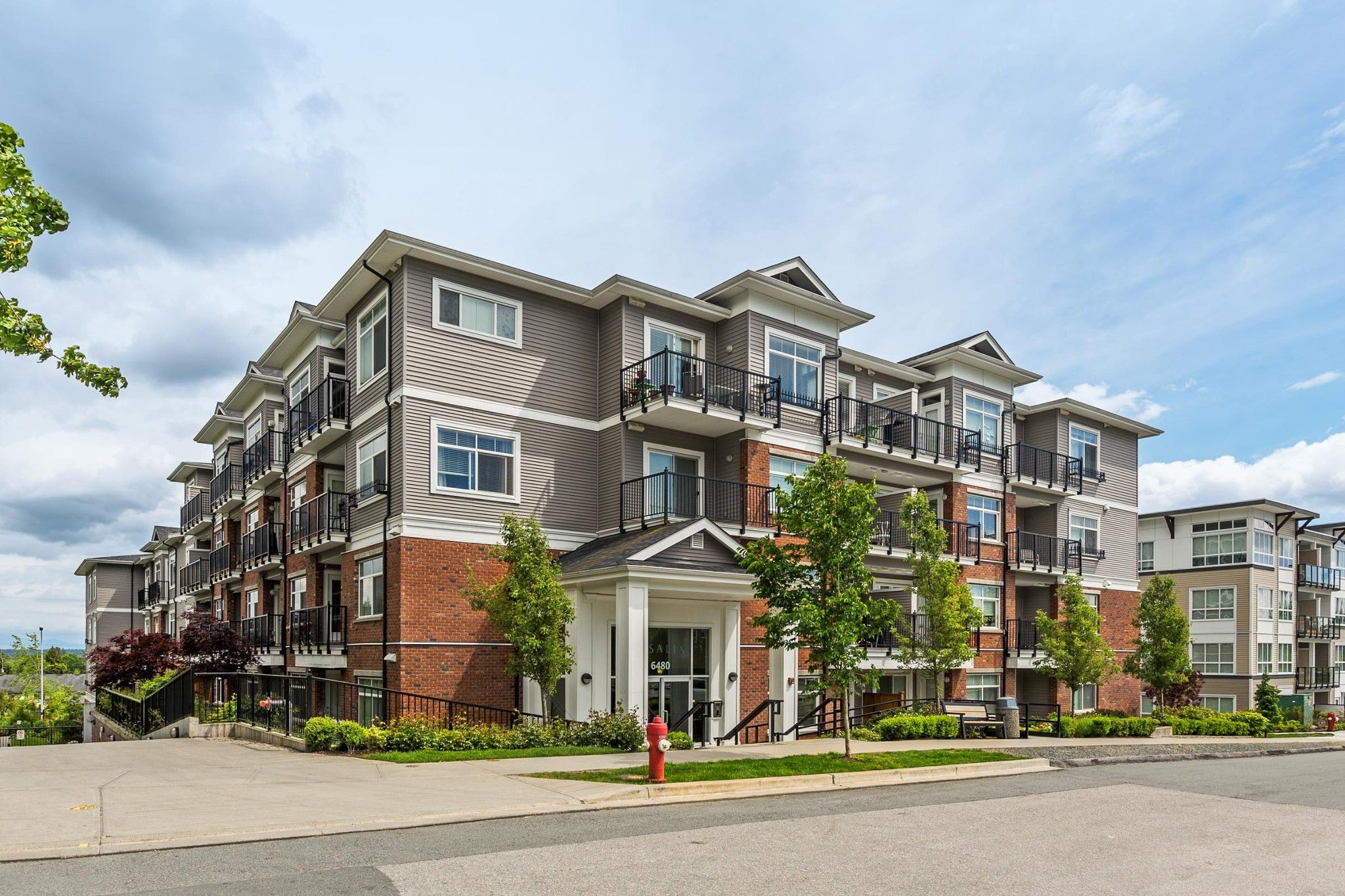 """Main Photo: 505 6480 195A Street in Surrey: Clayton Condo for sale in """"SALIX"""" (Cloverdale)  : MLS®# R2581896"""
