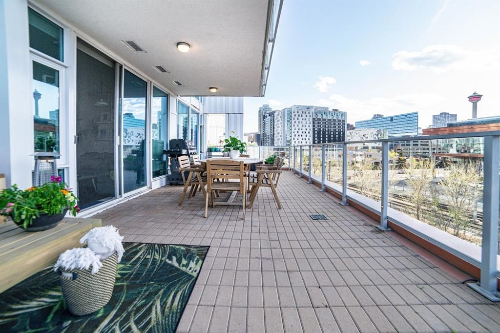 Main Photo: 204 510 6 Avenue in Calgary: Downtown East Village Apartment for sale : MLS®# A1109098