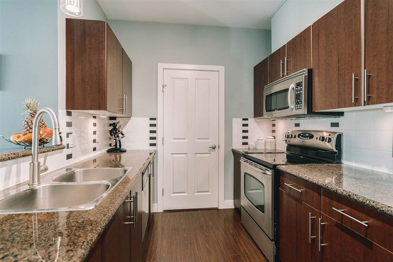 """Main Photo: 403 2330 WILSON Avenue in Port Coquitlam: Central Pt Coquitlam Condo for sale in """"Shaughnessy West"""" : MLS®# R2572488"""