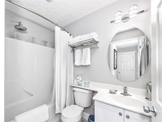 Photo 18: 35 43 SPRINGBOROUGH Boulevard SW in Calgary: Springbank Hill House for sale : MLS®# C4083171