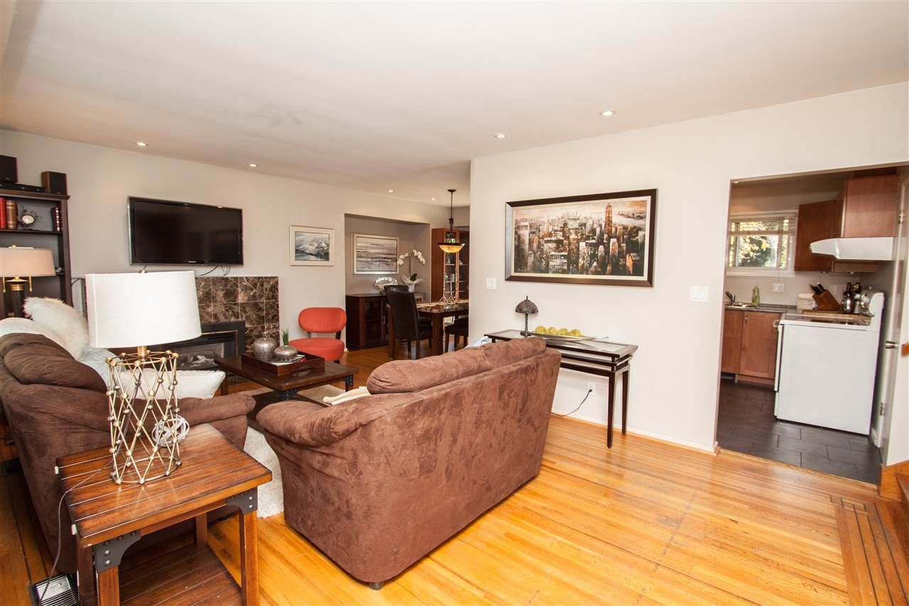 "Photo 17: Photos: 953 DRAYTON Street in North Vancouver: Calverhall House for sale in ""CALVERHALL"" : MLS®# R2112322"