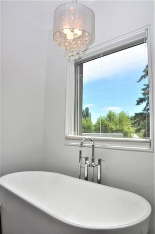 Photo 20: 110 35 Street NW in Calgary: Parkdale House for sale : MLS®# C4123515