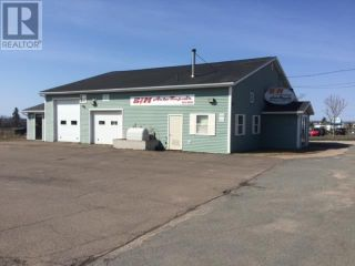 Photo 1: 1 MacNeil Drive in Charlottetown: Other for sale : MLS®# 202022550