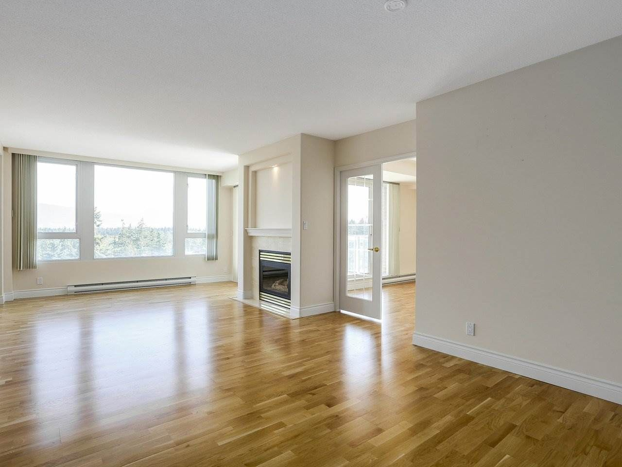 """Photo 2: Photos: 1704 5775 HAMPTON Place in Vancouver: University VW Condo for sale in """"CHATHAM"""" (Vancouver West)  : MLS®# R2196974"""