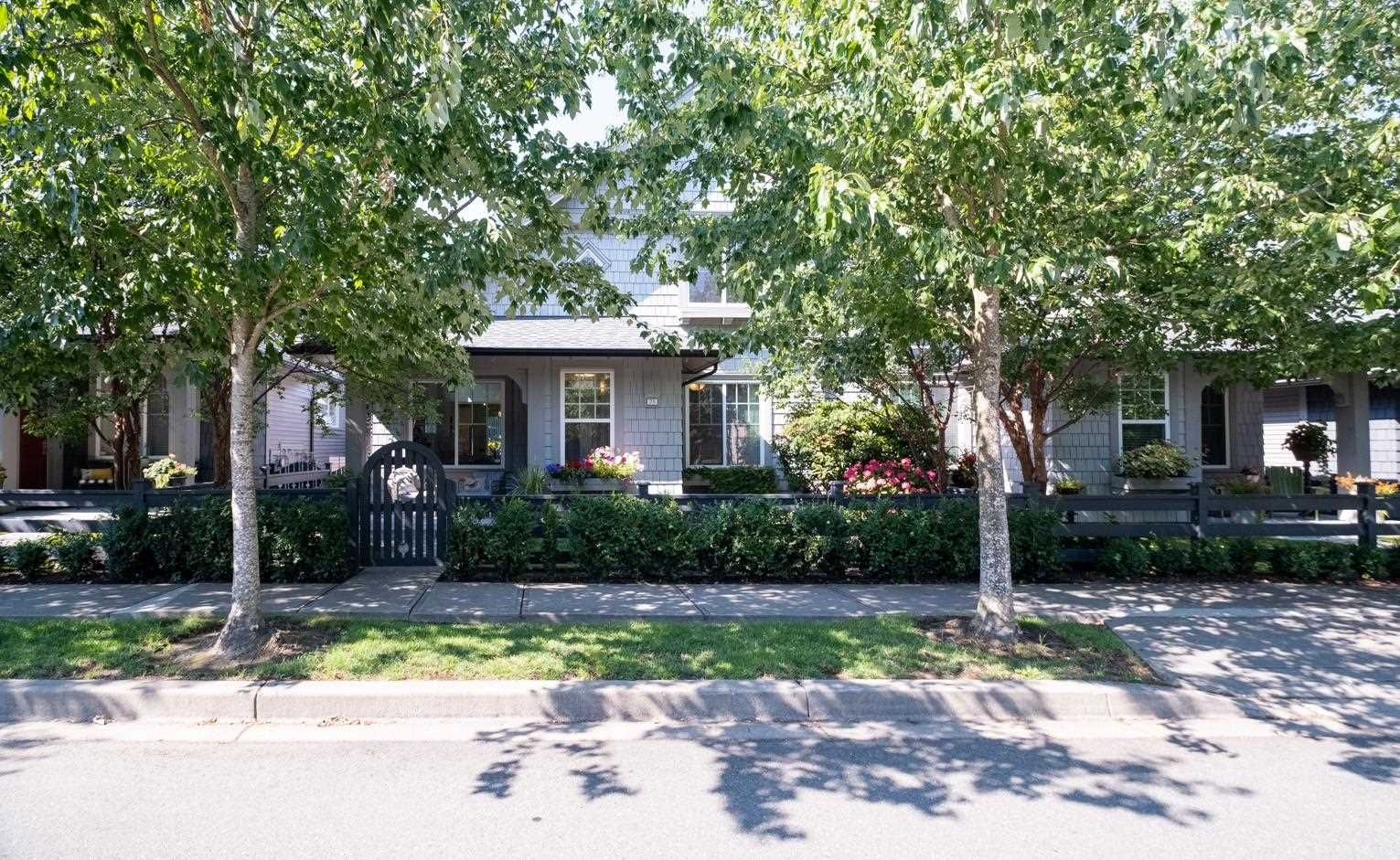 """Main Photo: 75 6450 187 Street in Surrey: Cloverdale BC Townhouse for sale in """"Mosaic"""" (Cloverdale)  : MLS®# R2598352"""