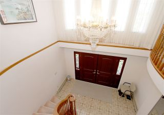 Photo 5: 2276 E 61ST Avenue in Vancouver: Fraserview VE House for sale (Vancouver East)  : MLS®# R2255899