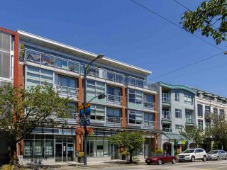 """Photo 34: 204 4375 W 10TH Avenue in Vancouver: Point Grey Condo for sale in """"The Varsity"""" (Vancouver West)  : MLS®# R2552003"""