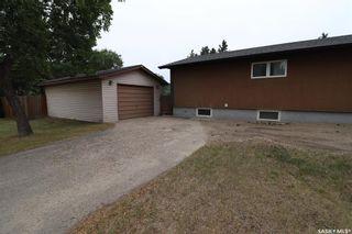 Photo 2: 147 Galbraith Crescent in Saskatoon: Fairhaven Residential for sale : MLS®# SK864390