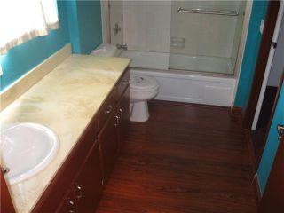 Photo 5: LA JOLLA Condo for sale : 1 bedrooms : 8354 Via Sonoma #C