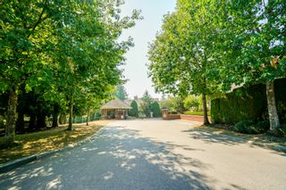 """Photo 2: 41 15450 ROSEMARY HEIGHTS Crescent in Surrey: Morgan Creek Townhouse for sale in """"CARRINGTON"""" (South Surrey White Rock)  : MLS®# R2301831"""