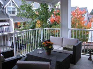 Photo 5: 21 6555 192A Street in Surrey: Clayton Townhouse for sale (Cloverdale)  : MLS®# F1025431