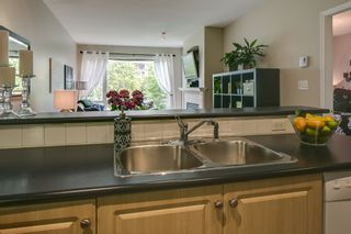 """Photo 5: 412 3629 DEERCREST Drive in North Vancouver: Roche Point Condo for sale in """"RAVENWOODS - DEERFIELD BY THE SEA"""" : MLS®# V952130"""