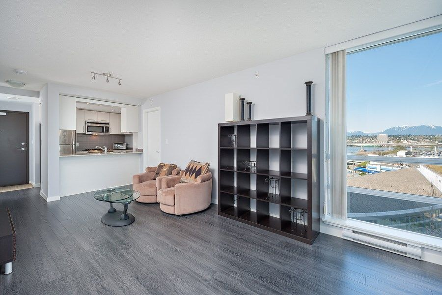 """Photo 3: Photos: 1002 3333 CORVETTE Way in Richmond: West Cambie Condo for sale in """"WALL CENTRE RICHMOND"""" : MLS®# R2054097"""