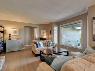 Photo 3: 4291 Burbank Cres in : SW Northridge House for sale (Saanich West)  : MLS®# 874325