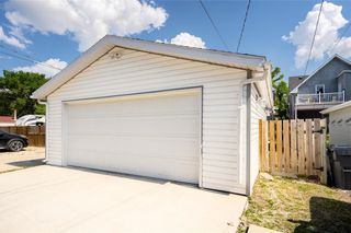 Photo 30: 637 Jubilee Avenue in Winnipeg: House for sale : MLS®# 202116006