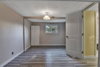 "Photo 17: 12 6280 KING GEORGE Boulevard in Surrey: Panorama Ridge Manufactured Home for sale in ""WHITE OAKS"" : MLS®# R2540288"