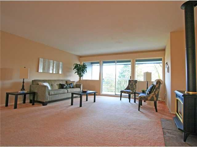 """Main Photo: 1053 CECILE Drive in Port Moody: College Park PM Townhouse for sale in """"CECILE HEIGHTS"""" : MLS®# V931590"""