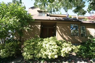 Photo 3: 1199 W 7th Avenue in Marina Place: Home for sale : MLS®# v722197