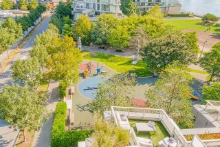 """Photo 11: 805 980 COOPERAGE Way in Vancouver: Yaletown Condo for sale in """"COOPERS POINTE by Concord Pacific"""" (Vancouver West)  : MLS®# R2614161"""