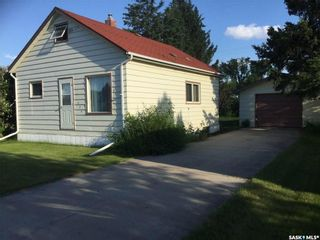 Photo 1: 539 Highway Avenue East in Preeceville: Residential for sale : MLS®# SK831490