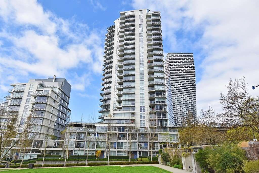 "Main Photo: 1005 638 BEACH Crescent in Vancouver: Yaletown Condo for sale in ""ICON"" (Vancouver West)  : MLS®# R2357913"