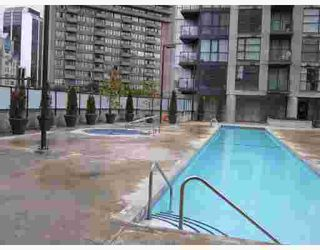 """Photo 1: 1907 1199 SEYMOUR Street in Vancouver: Downtown VW Condo for sale in """"BRAVA"""" (Vancouver West)  : MLS®# V742072"""