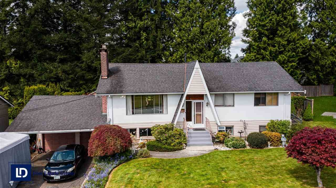 Main Photo: 1723 CHARLAND Avenue in Coquitlam: Central Coquitlam House for sale : MLS®# R2577562