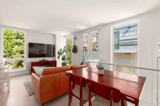 """Photo 3: 4 1411 E 1ST Avenue in Vancouver: Grandview Woodland Townhouse for sale in """"Grandview Cascades"""" (Vancouver East)  : MLS®# R2614894"""