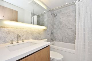 """Photo 9: 710 68 SMITHE Street in Vancouver: Downtown VW Condo for sale in """"ONE PACIFIC"""" (Vancouver West)  : MLS®# R2403870"""