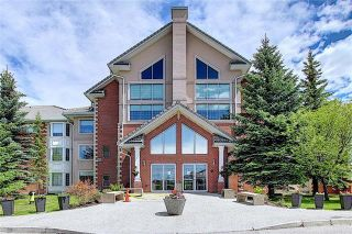 Photo 2: 235 6868 SIERRA MORENA Boulevard SW in Calgary: Signal Hill Apartment for sale : MLS®# C4301942