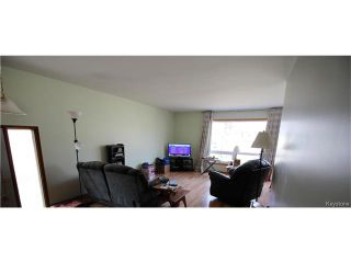 Photo 3: 582 Bruce Avenue in Winnipeg: Bruce Park Residential for sale (5F)  : MLS®# 1709669