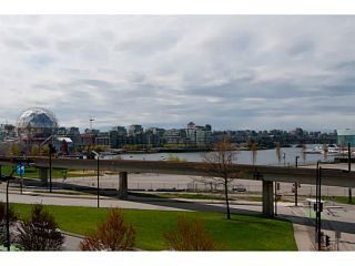 """Photo 7: 408 125 MILROSS Avenue in Vancouver: Mount Pleasant VE Condo for sale in """"Citygate at Creekside"""" (Vancouver East)  : MLS®# V1058949"""