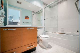 Photo 14: 302 7428 BYRNEPARK WALK in Burnaby: South Slope Condo for sale (Burnaby South)  : MLS®# R2458762