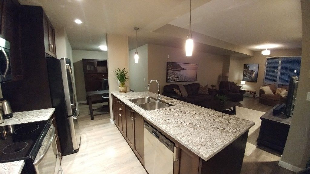Photo 4: Photos: #102 2238 Whatcom Rd in Abbotsford: Abbotsford East Condo for rent