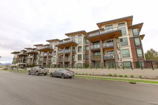 """Photo 3: 402 12460 191 Street in Pitt Meadows: Mid Meadows Condo for sale in """"ORION"""" : MLS®# R2436076"""