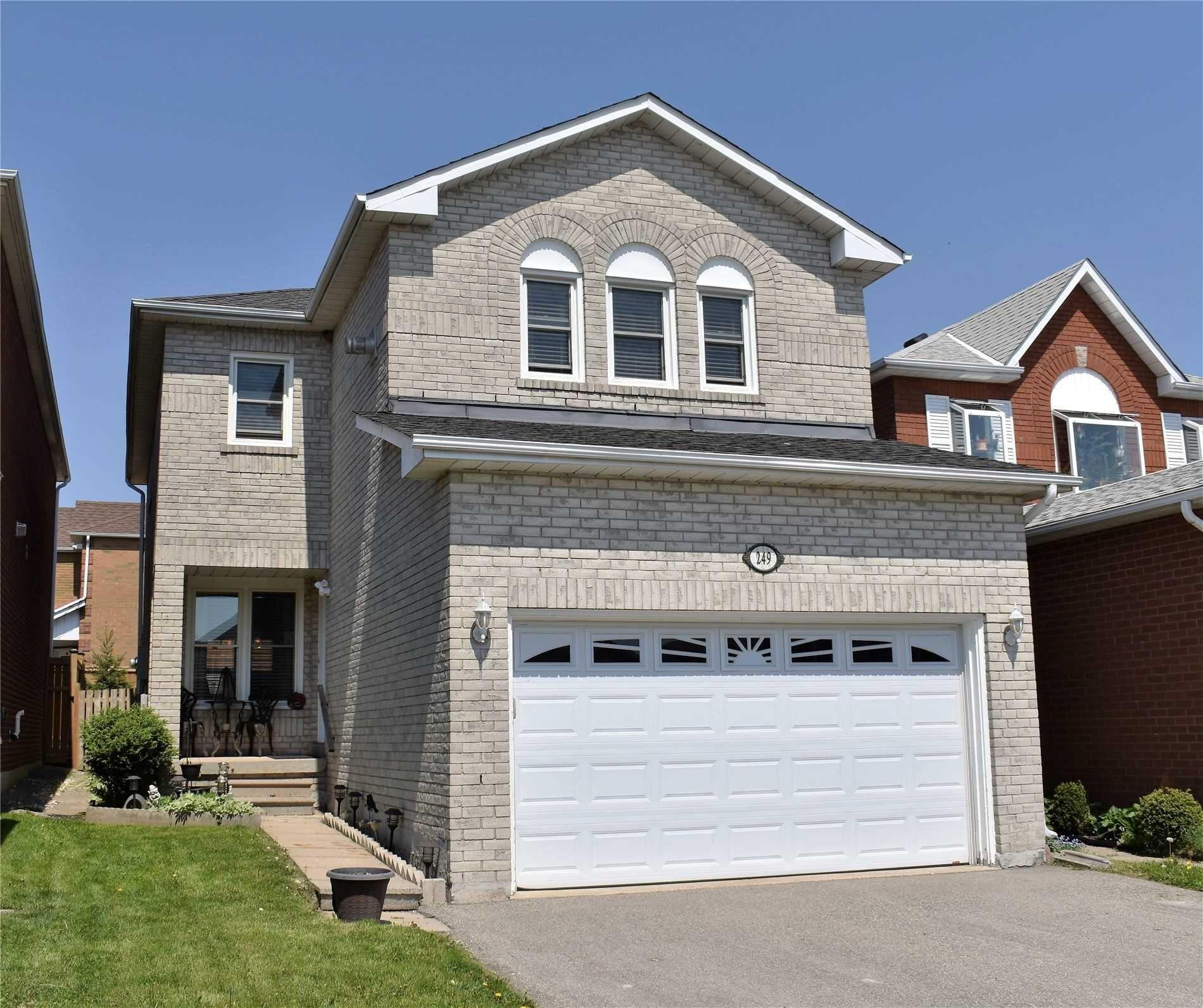 Main Photo: 249 Howard Crescent: Orangeville House (2-Storey) for sale : MLS®# W5239700